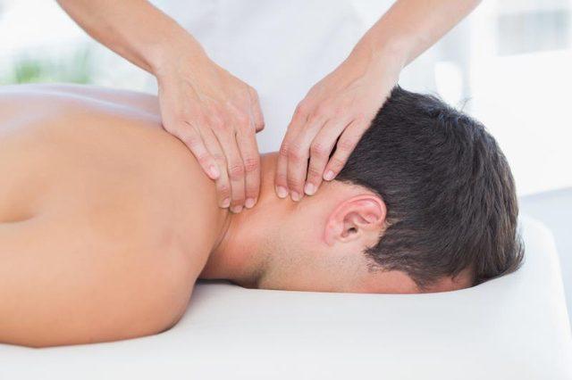 a neck remedial massage